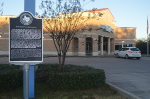 Southmore Station Post Office located at 4110 Alemda. (Photo: Cierra Duncan)